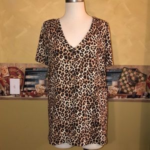 Leopard print Victoria's Secret Pink v-neck top